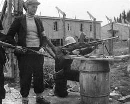 Leiren ble inntatt av Milorg 9. mai 1945. Dagen før hadde de siste fangene blitt sluppet fri. (Utlpnt: Storm Johansen)